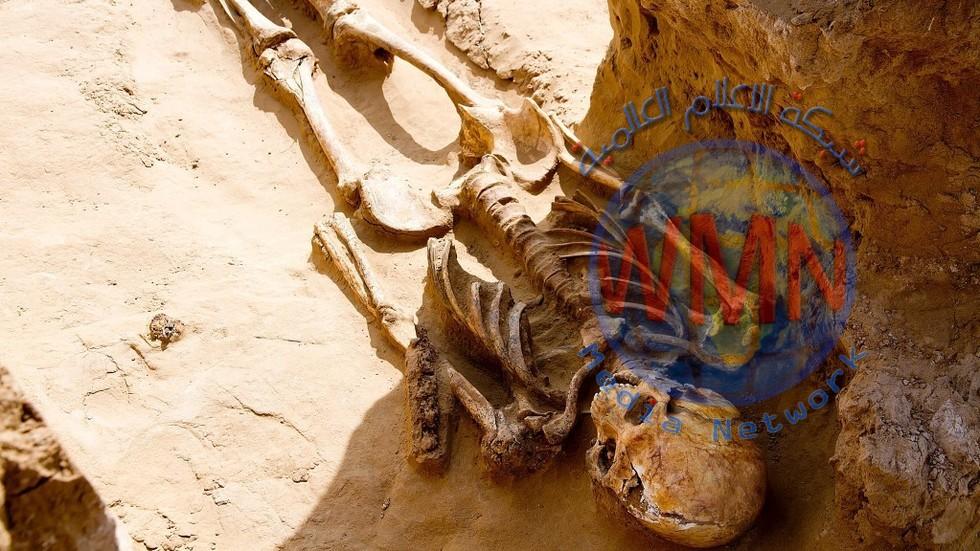 باحثون يعثرون على هياكل عظمية وحلي ذهبية عمرها 2500 عام