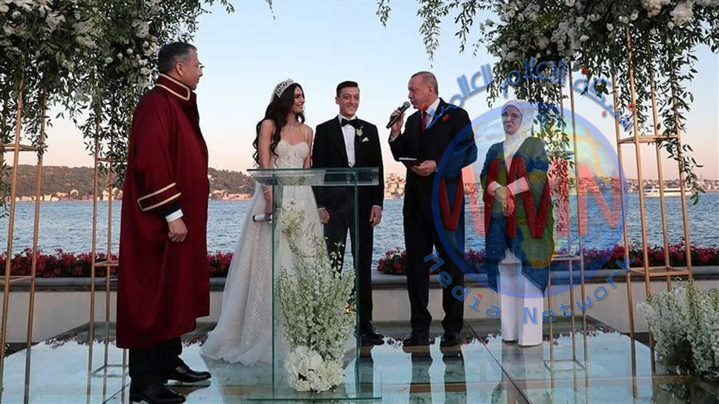 لاعب ألماني يتزوج عراقية وأردوغان شاهد على الزواج