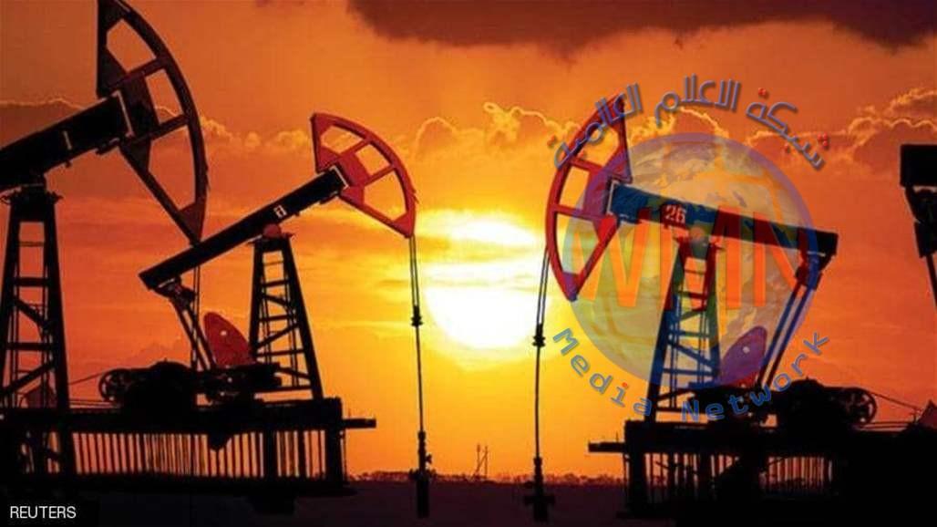 النفط ينهي الاسبوع على انخفاض بالرغم من اغلاقه مرتفعا