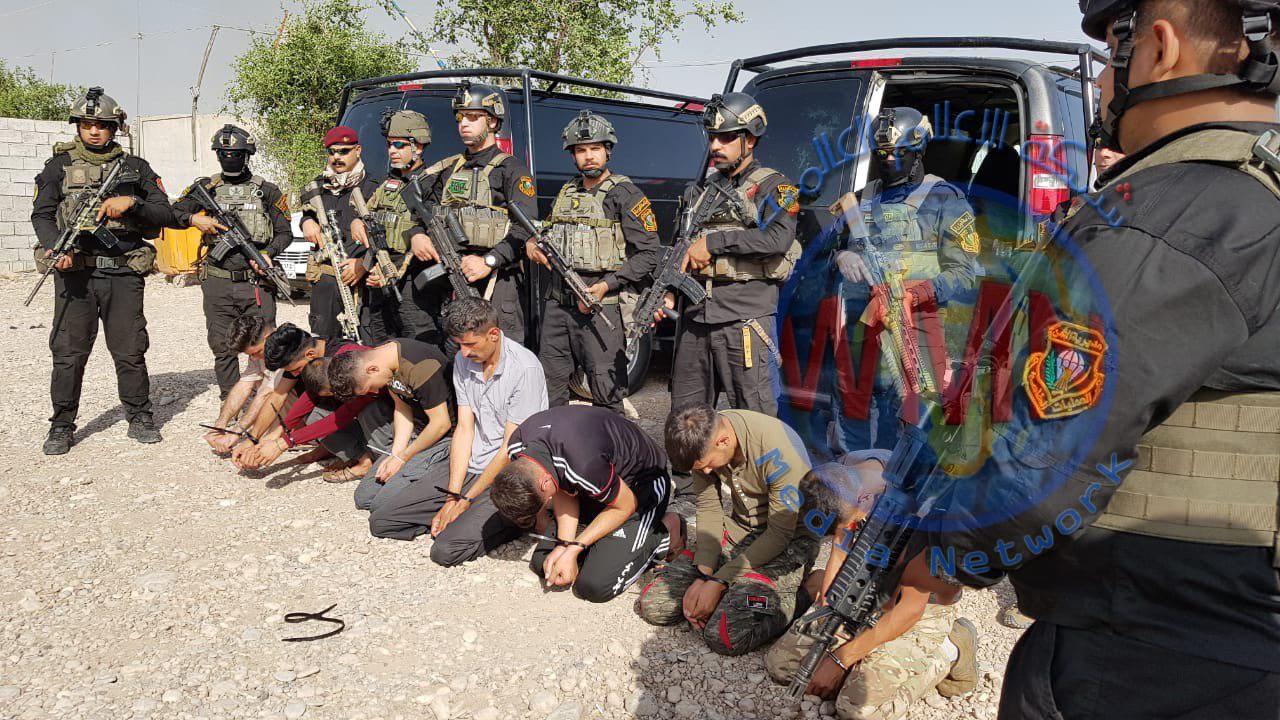 بالصور…العمليات الخاصة للحشد الشعبي تلقي القبض على ١٢ متهماومصادرة كميات كبيرة من الأسلحة والاعتدة