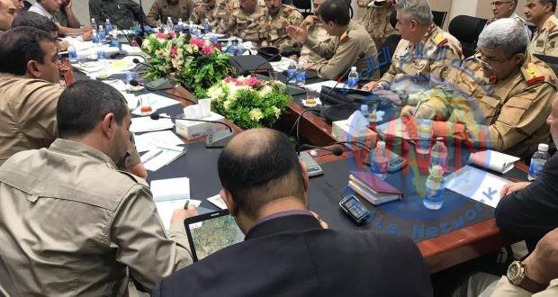 الحشد والجيش يعقدان اجتماعا موسعا لبحث آخر المستجدات الأمنية وتأمين المناطق الرخوة امنيا