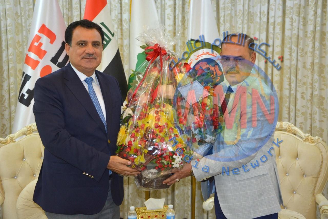 رئيس اتحاد الغرف التجارية يهنئ اللامي بمناسبة فوزه بعضوية المكتب التنفيذي للاتحاد الدولي للصحفيين