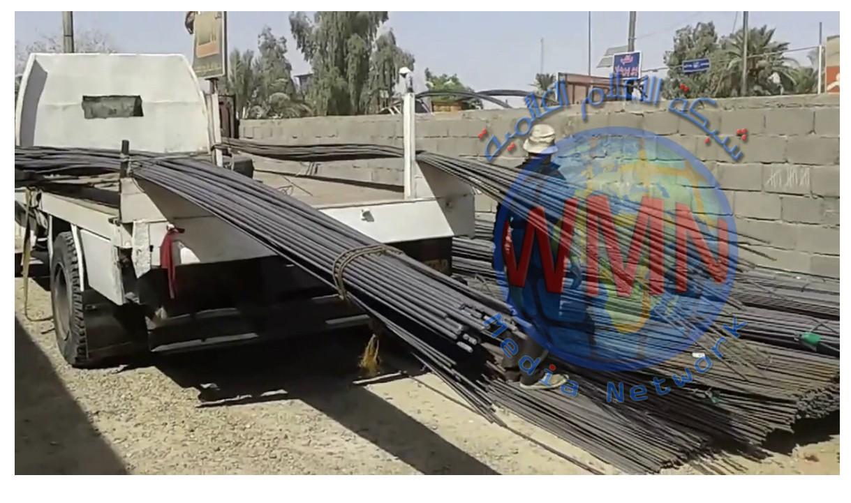 ضبط شاحنتين محملتين بـ 98 طناً مهرباً من (شيش البناء) في واسط