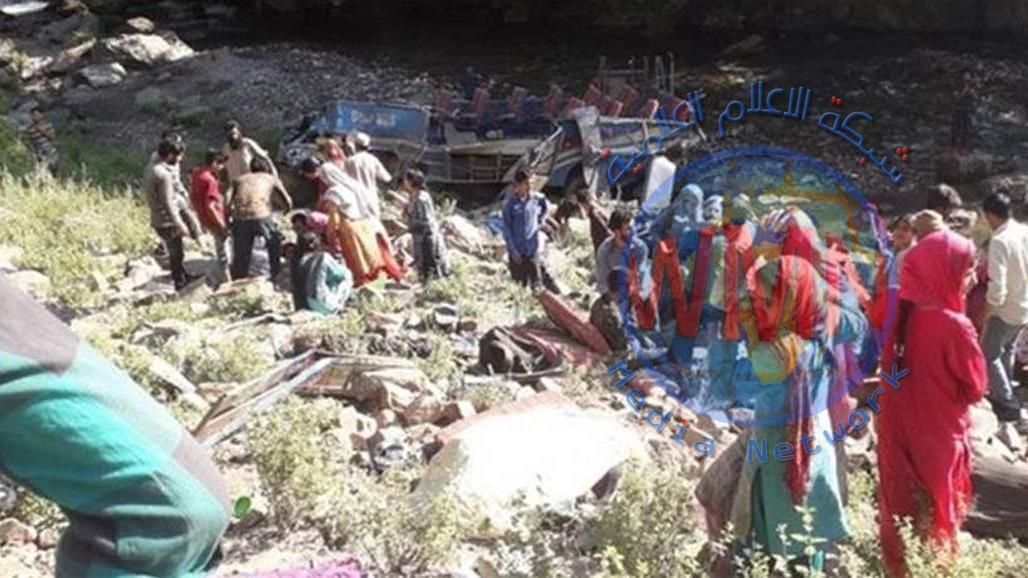 مصرع واصابة 55 شخصا بسقوط حافلة في وادٍ عميق بالهند