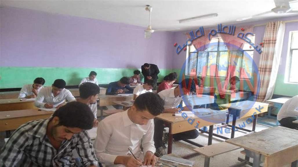نائب يطالب بالتحقيق في تدني نسب النجاح بالمتوسطة وخاصة في المدارس الاهلية