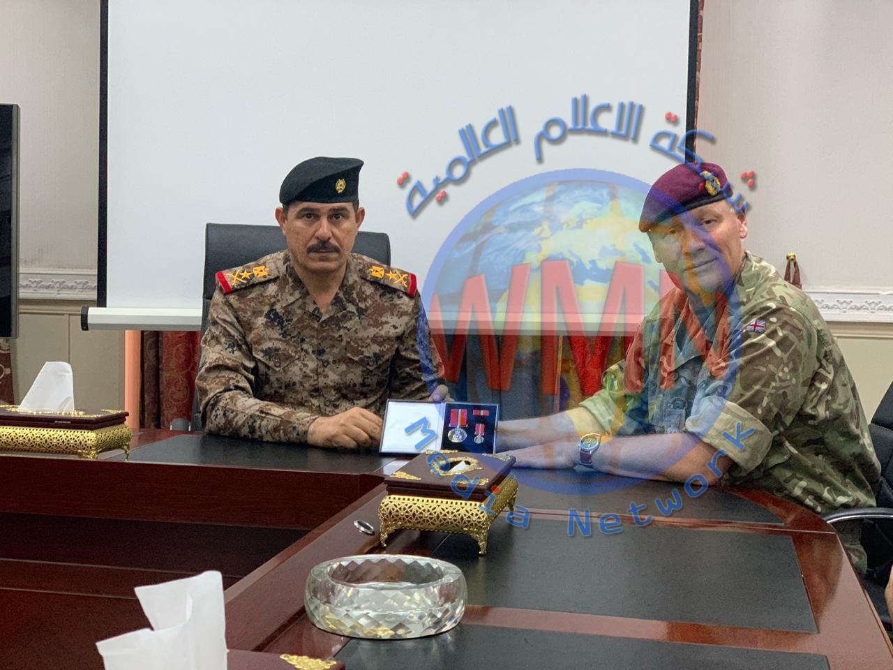 حكومة المملكة المتحدة تمنح الفريق الركن محمد البياتي وسام الاكاديمية البريطانية كاول ضابط عربي