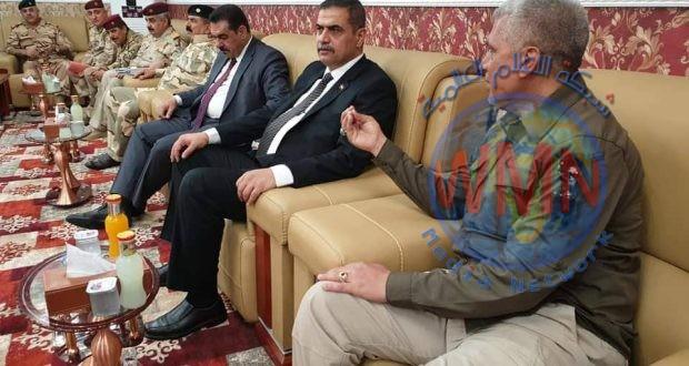 وزير الدفاع يزور مقر عمليات الفرات الأوسط للحشد الشعبي