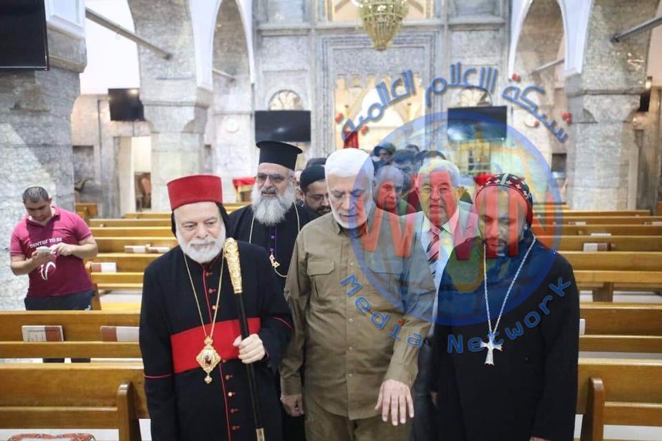 ابو مهدي المهندس خلال زيارته كنيسة مارت شموني في برطلة: تعايش المكونات نقطة قوة لسهل نينوى