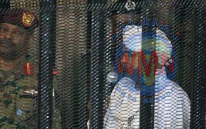 السودان : مبالغ مالية ضخمة تعرض خلال محاكمة البشير