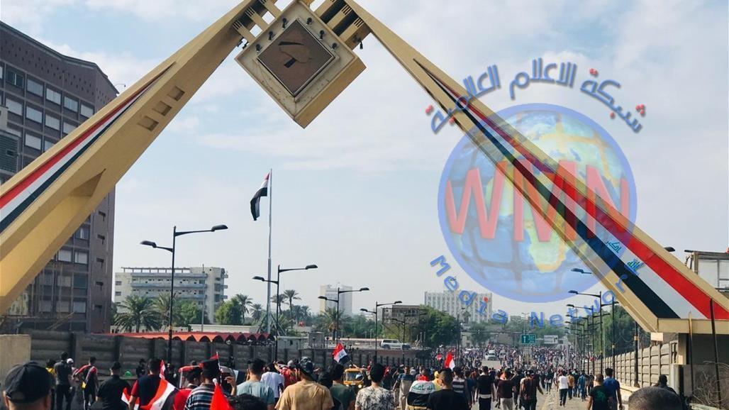 القوات الامنية تذيع خطبة المرجعية عبر مكبرات الصوت على جسر الجمهورية