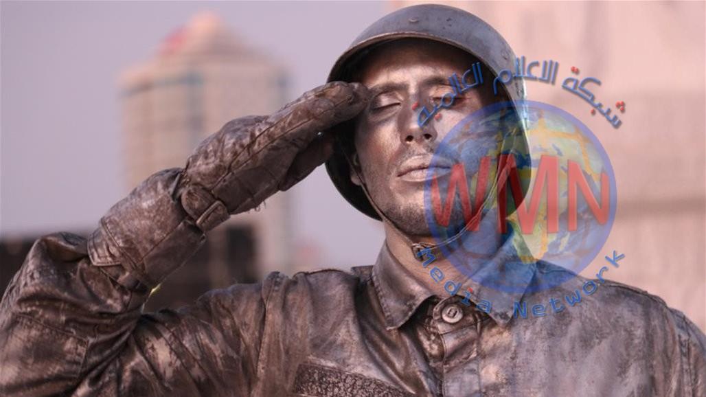 دخل موسوعة غينيس.. تركي يؤدي تحية عسكرية استغرقت 24 ساعة