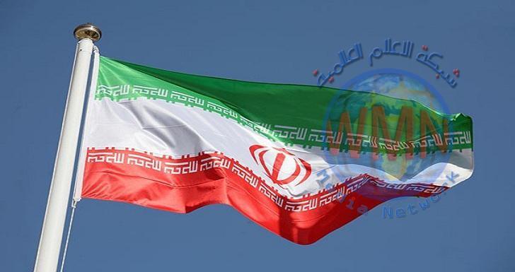 ايران تكشف عن طائرة عسكرية نفاثة محلية الصنع