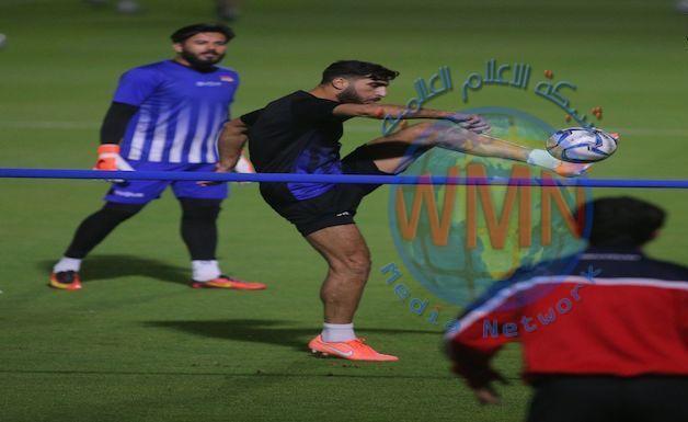 المنتخب الوطني يخوض اول وحدة تدريبية في قطر