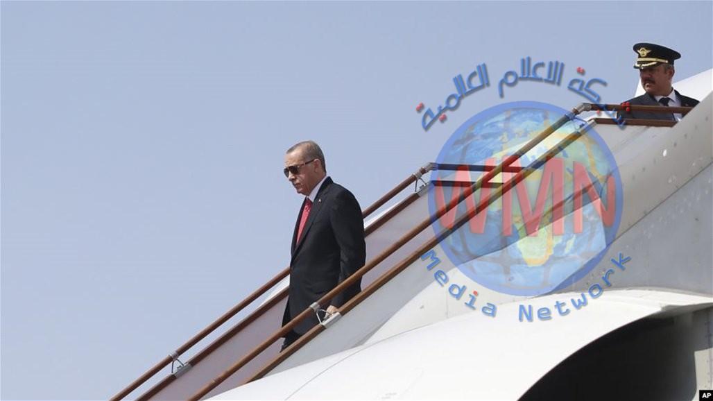 زيارة غير معلنة.. أردوغان يصل تونس