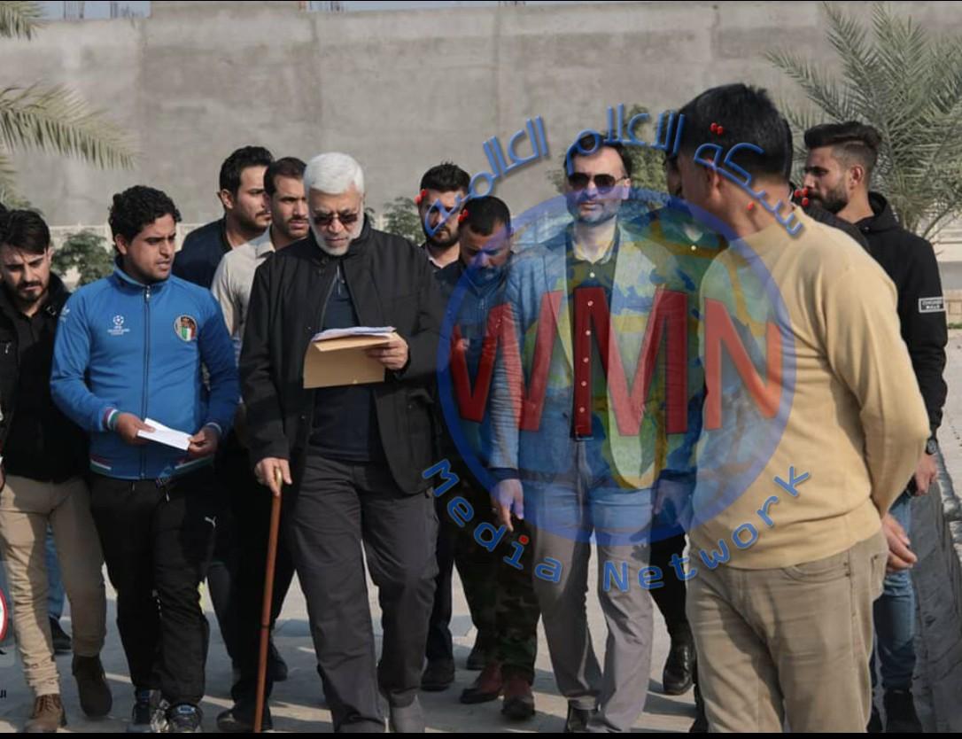 بالصور…رئيس اركان هيئة الحشد الحاج ابومهدي المهندس يتفقد الجرحئ من ابناء الجيش العراقي والحشد الشعبي