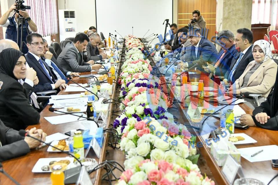 وزير التخطيط يترأس اجتماعاً موسعاً لبحث آليات تحسين الواقع الخدمي في محافظة بغداد