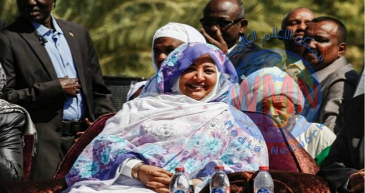 السلطات السودانية تصادر مصوغات زوجة البشير وتتفاجئ بقلادة (تيتانيك)
