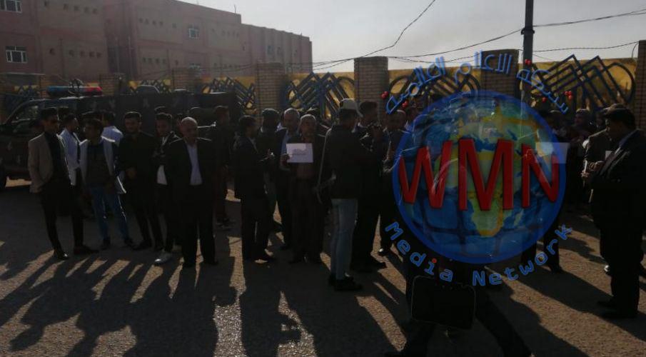 وقفة احتجاجية لاستنكار الاعتداء على الحرم الجامعي في ذي قار