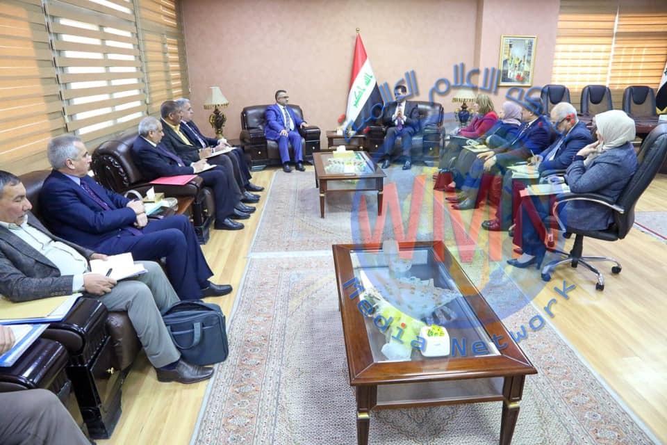 وزير التخطيط يبحث سبل تعزيز جهود إعادة إعمار واستقرار محافظة نينوى مع حكومتها المحلية