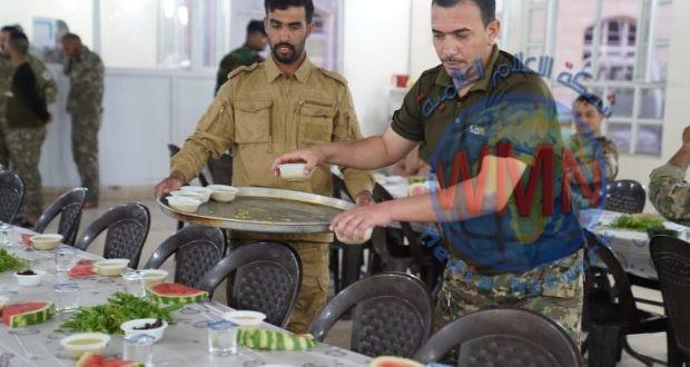 بالصور.. افطار المقاتلين في قيادة عمليات نينوى للحشد الشعبي