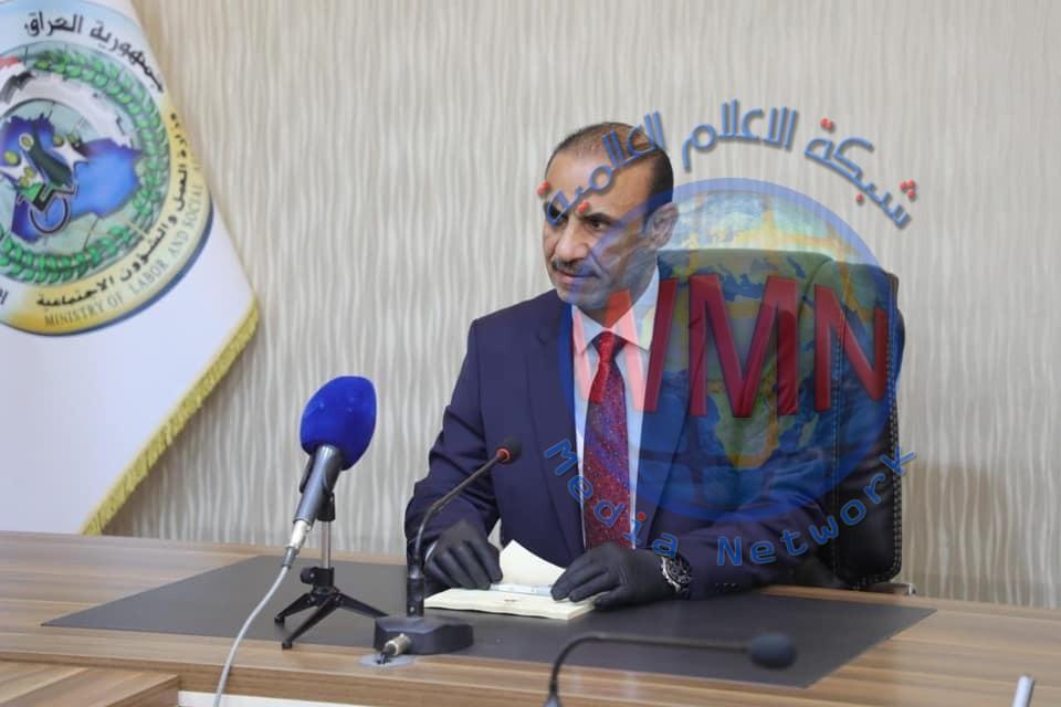 وزير العمل يكشف عن زيادة نسبة الفقر من 22 الى 34% في العراق