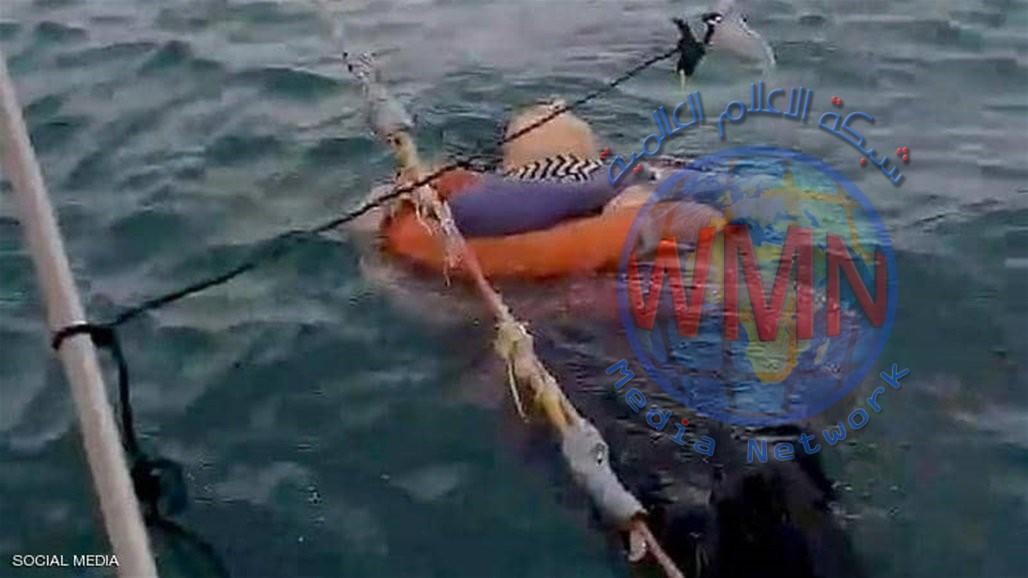 العثور على امرأة حية وسط البحر بعد عامين من اختفائها (فيديو)