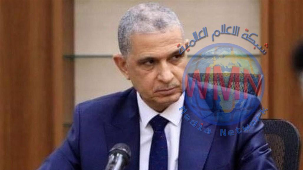وزير الداخلية يصدر توجيهاً بشأن تنقل الموطنة رواتبهم من مصرف إلى آخر