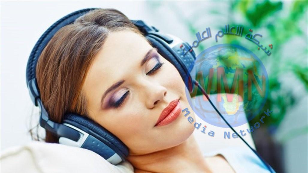 توقفي عن الاستماع للموسيقى قبل النوم.. لهذا السبب!
