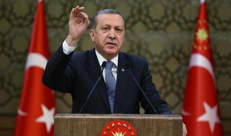 الرئيس التركي يتهم الإعلام الغربي بالتعاطف مع الانقلابيين