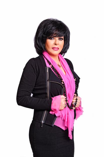 ممثلة ومنتجة مصرية توقع كتابها الجديد