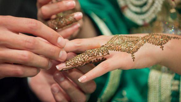تقرير : الجزائريون والمغاربة والتونسيون أكثر الأجانب زواجا بالفرنسيين