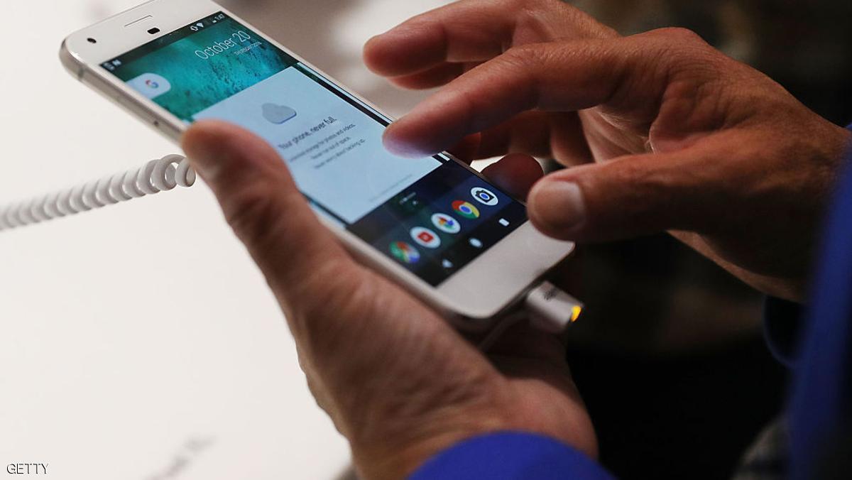غوغل تستثمر ثورة في شاشات الهواتف