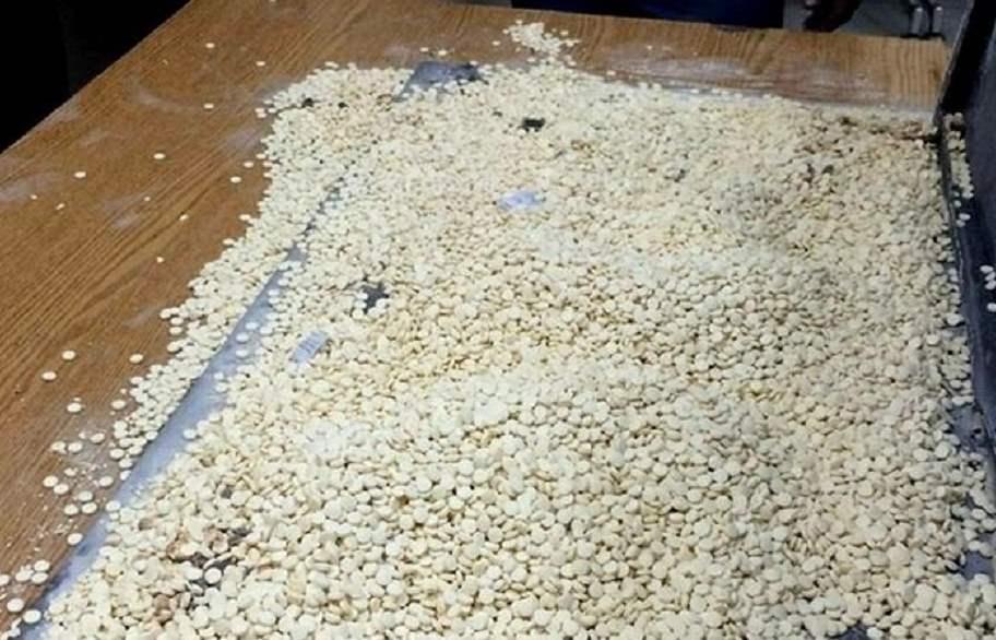 القبض على تاجري مخدرات في النجف وضبط ٢٠ الف حبة مخدرة بحوزتهما