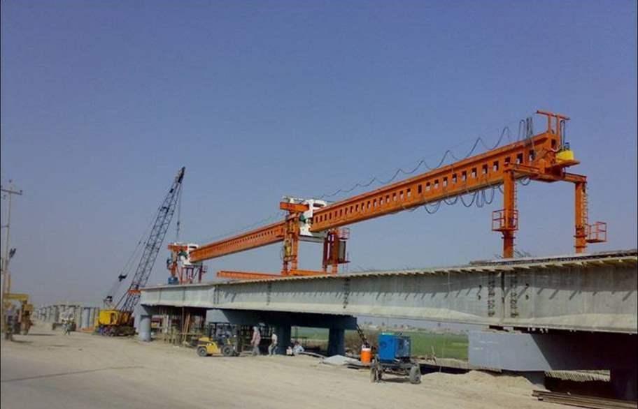 الانتهاء من نصب جسر حديدي ثابت في الموصل