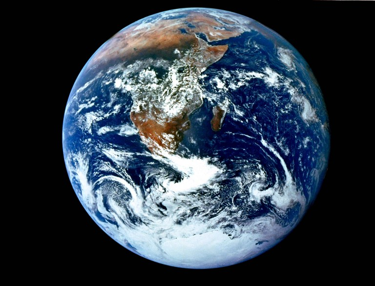 دراسة توضح حقيقة تحول الأرض إلى كوكب قابل للحياة!