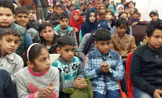 مكتب الحشد بالنجف يكرم أبناء الشهداء في المحافظة