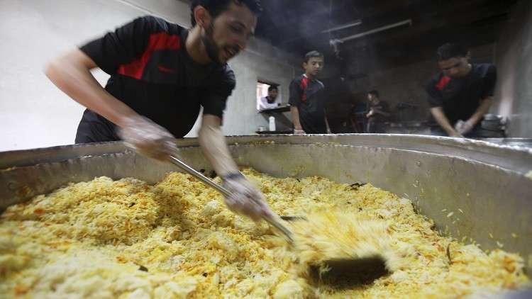 مأدبة إفطار تركية لـ500 صائم يمني في حضرموت