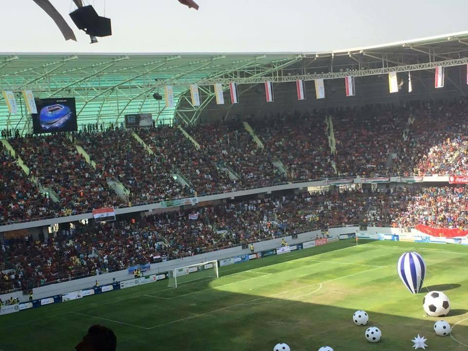 حضور جماهيري غفير بافتتاح ملعب النجف الدولي
