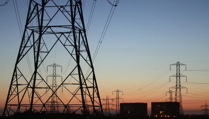 الكهرباء تعلن صيانة شبكات التوزيع في منطقة الانفجار بمدينة الصدر