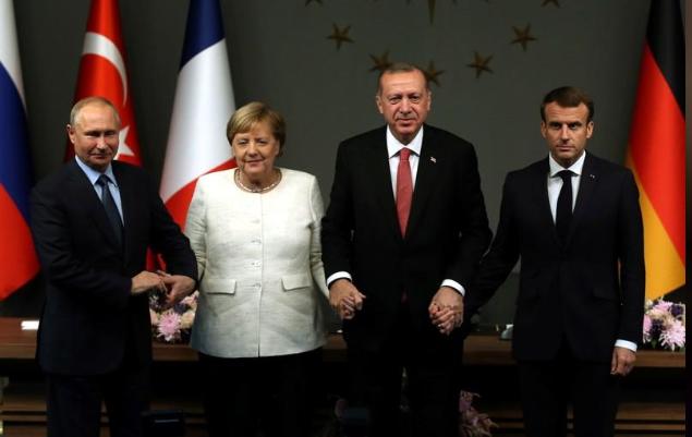 روسيا وألمانيا وفرنسا وتركيا يدعون إلى وقف دائم لإطلاق النار في سوريا