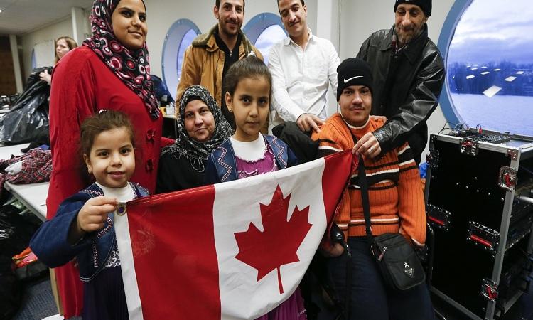 كندا ترفع أعداد المهاجرين أليها سنويا