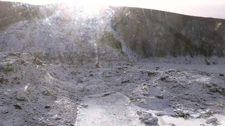 نجاح أول عملية لتدمير سد طبيعي بنهر بوريا في أقصى شرق روسيا