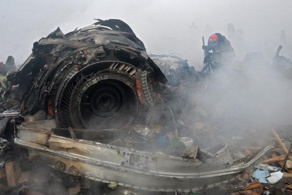 بالفيديو.. أولى لحظات تحطم طائرة الشحن في إيران