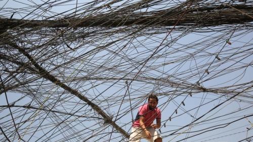 الكهرباء تكشف إنتاجها من الطاقة وتحمل المواطنين مسؤولية النقص
