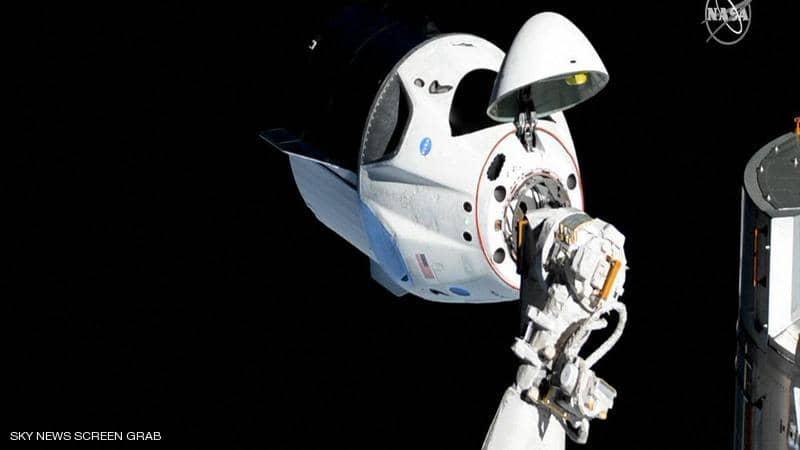 """كبسولة """"سبيس إكس"""" تلتحم بمحطة الفضاء الدولية بنجاح"""