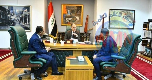 وزير الثقافة يطلع على مشروع تمثال الشهيد القناص أبو تحسين ألصالحي