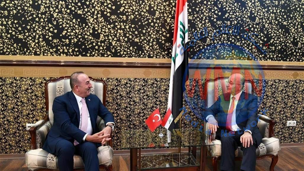 صالح وأوغلو يؤكدان ضرورة الابتعاد عن لغة التهديد في المنطقة