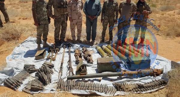 العثور على وكر شرق عكاشات وضبط صواريخ وأعتدة بداخله