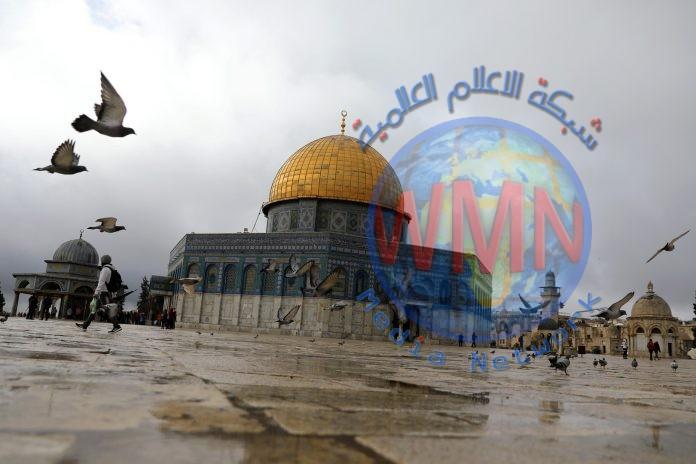 عامل فلسطيني يعثر على كنز قديم وهو في طريقه إلى العمل
