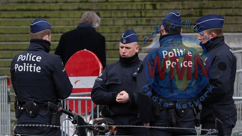 العثور على 12 مهاجرا على قيد الحياة في شاحنة تبريد بمدينة بلجيكية
